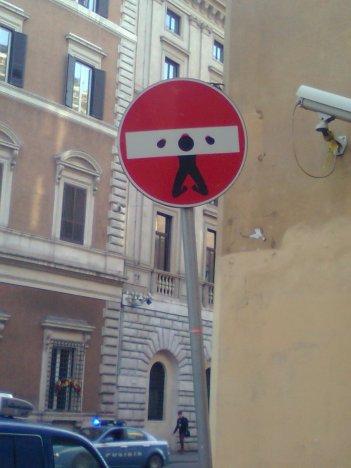 roma, segnaletica corretta